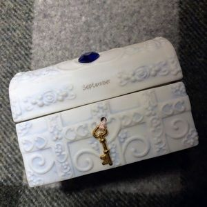 SEPTEMBER BIRTHSTONE JEWELRY BOX PRECIOUS MOMENTS